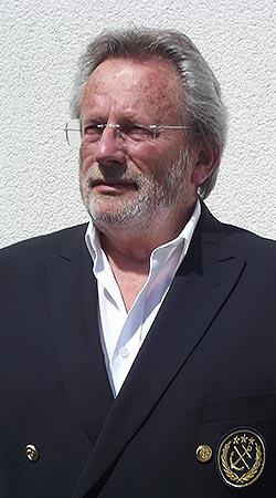 Portrait d'Henri Belbéoc'h